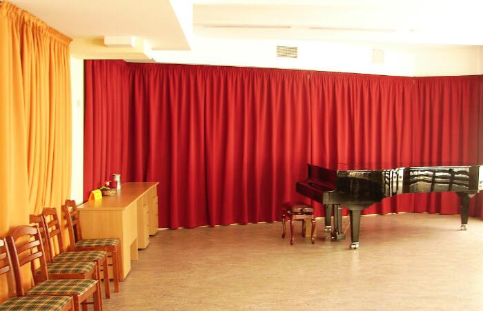 skatuves aizkari - mūzijas skolas projekts