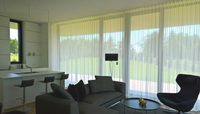 Mezaparka Residences - Villa Corylus with fancy day curtains, complementing carefully crafted interior design.